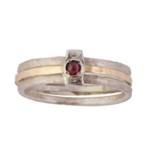 Beautiful silver and gold ring with Garnet