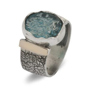 Refind silver and gold ring wth Roman Glass