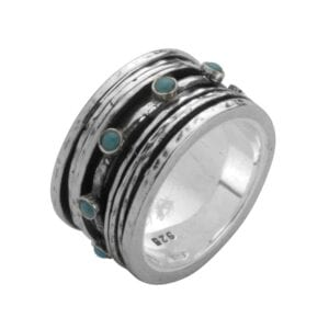 Alluring silver ring set with a Turquoise gem