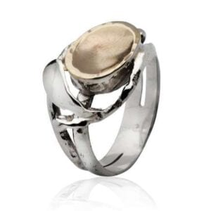 Lovely Silver ring combined with 9k gold.